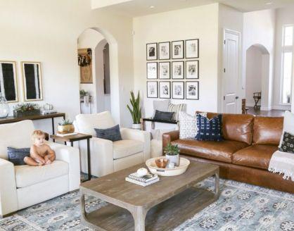 Modern leather living room furniture ideas (44)