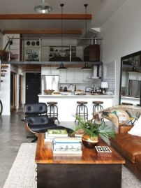 Small modern industrial apartment decoration ideas 19