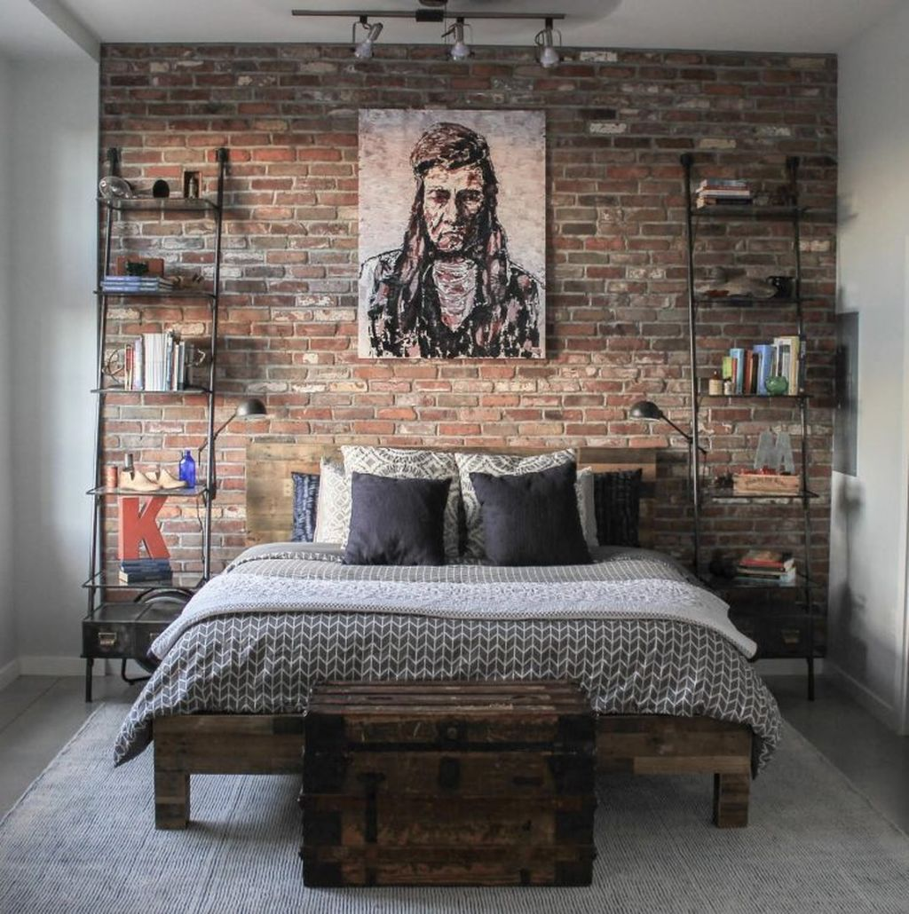 Small Modern Industrial Apartment Decoration Ideas 39
