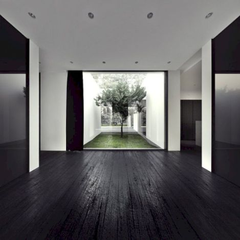 Stylish dark wood floor ideas for your living room (27)