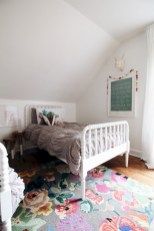 Adorable and fun christmas kids room design ideas 01