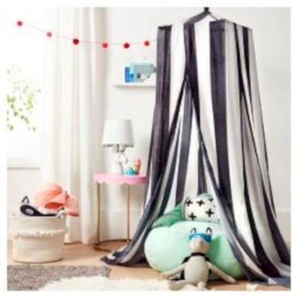 Adorable and fun christmas kids room design ideas 12