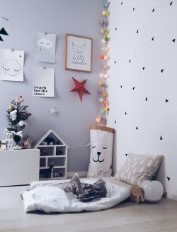 Adorable and fun christmas kids room design ideas 28
