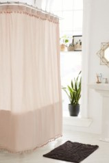Affordable shower curtains ideas for small apartments 46
