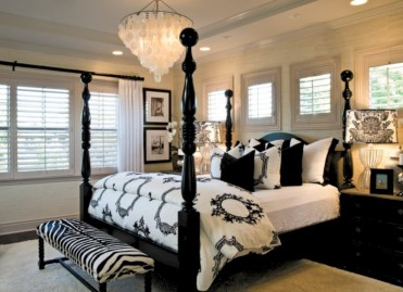 Amazing black and white bedroom ideas (11)