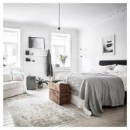 Amazing black and white bedroom ideas (30)