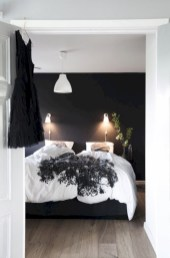 Amazing black and white bedroom ideas (35)