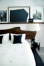 Amazing black and white bedroom ideas (46)