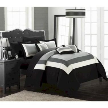 Amazing black and white bedroom ideas (50)