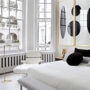 Amazing black and white bedroom ideas (53)