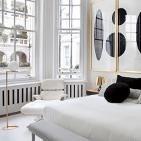 Amazing black and white bedroom ideas (53)