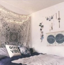 Amazing bohemian bedroom decor ideas 40