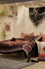 Amazing bohemian bedroom decor ideas 41