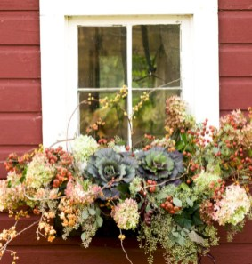 Amazing halloween window decoration ideas 48
