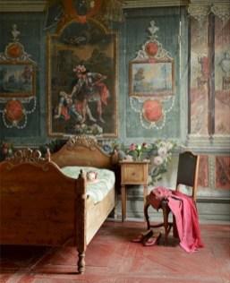 Antique and unique bedroom decorating ideas 02