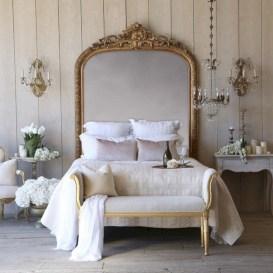 Antique and unique bedroom decorating ideas 11