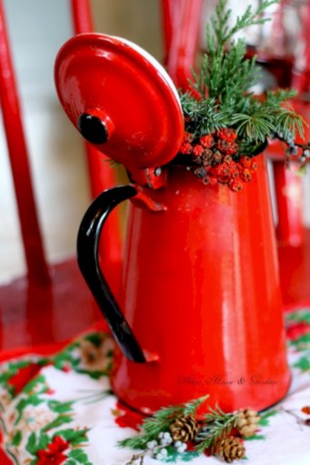 Beautiful christmas decoration ideas in red domination 12
