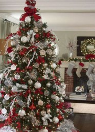 Beautiful christmas decoration ideas in red domination 26