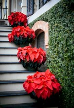 Beautiful christmas decoration ideas in red domination 31