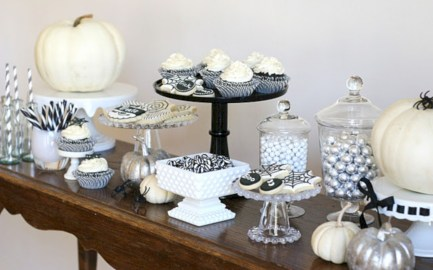 Beautiful ideas for elegant black and white halloween 13