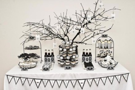Beautiful ideas for elegant black and white halloween 16