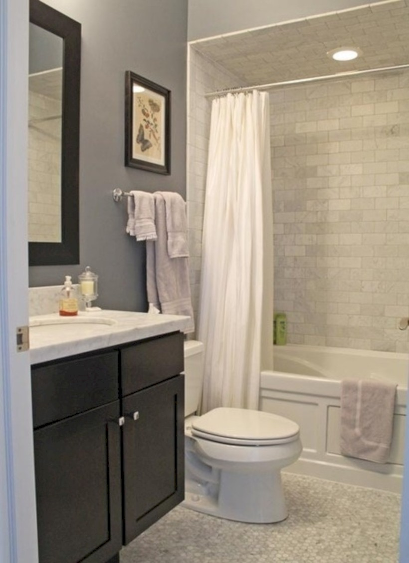 Beautiful subway tile bathroom remodel and renovation (17)