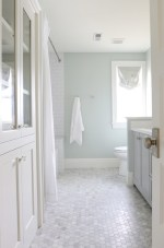 Beautiful subway tile bathroom remodel and renovation (58)