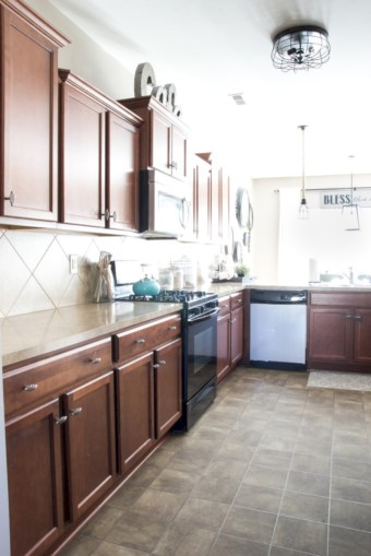 Budget friendly kitchen makeover ideas 49