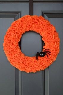 Creative diy halloween decorations using spider web 08