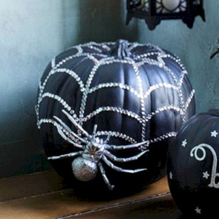 Creative diy halloween decorations using spider web 23