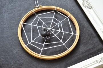 Creative diy halloween decorations using spider web 25