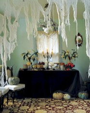 Creative diy halloween decorations using spider web 29