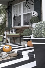 Creative diy halloween decorations using spider web 31