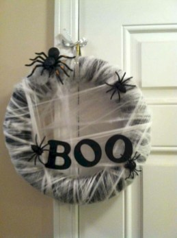 Creative diy halloween decorations using spider web 50