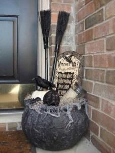 Creative diy halloween outdoor decoration ideas 12