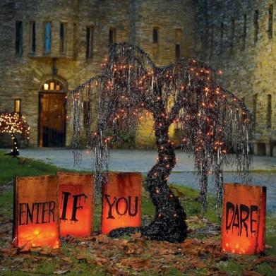 Creative diy halloween outdoor decoration ideas 33