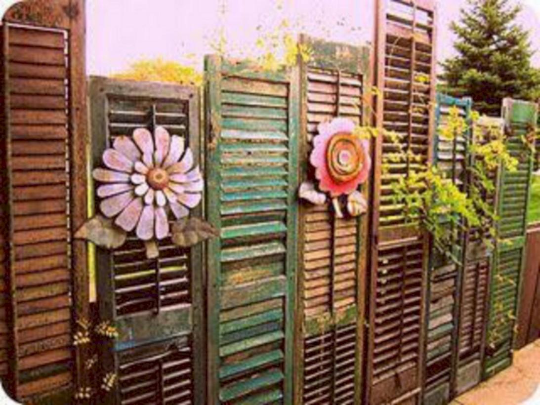 Diy backyard privacy fence ideas on a budget (13)