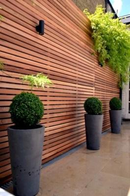 Diy backyard privacy fence ideas on a budget (40)