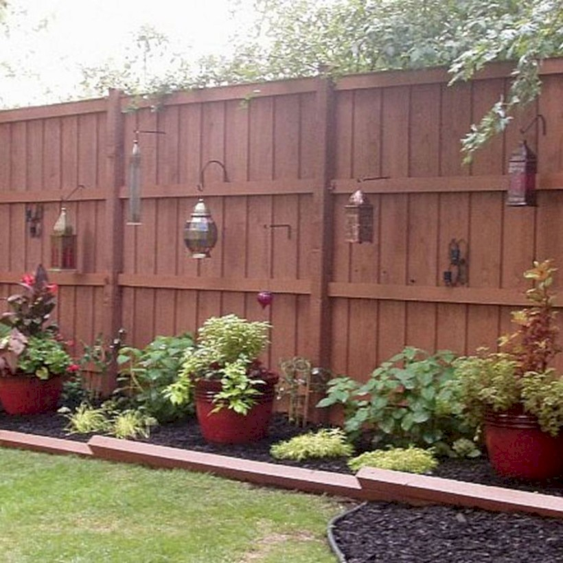 Diy backyard privacy fence ideas on a budget (49) - ROUNDECOR on Decorations For Privacy Fence id=32626