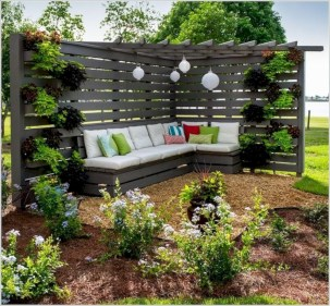 Diy backyard privacy fence ideas on a budget (55)