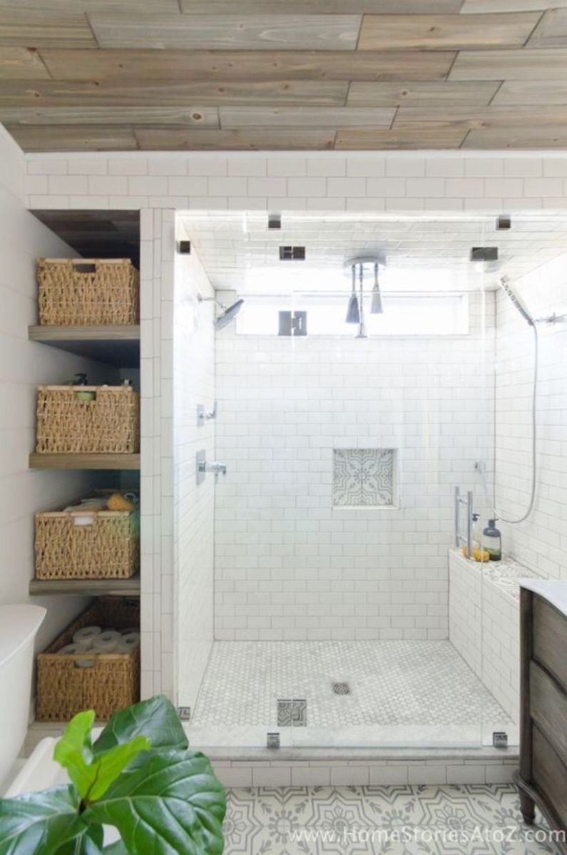 Farmhouse bathroom ideas for small space (14)