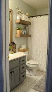 Farmhouse bathroom ideas for small space (20)
