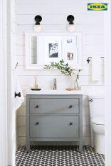Farmhouse bathroom ideas for small space (23)