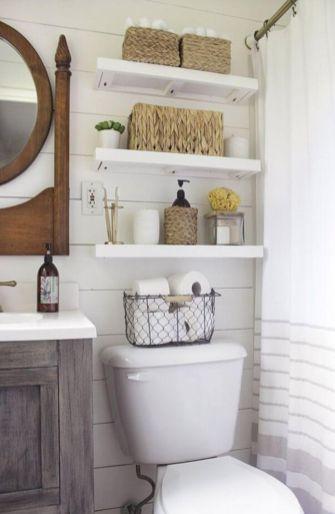 Farmhouse bathroom ideas for small space (26)