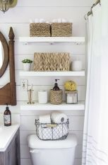 Farmhouse bathroom ideas for small space (28)
