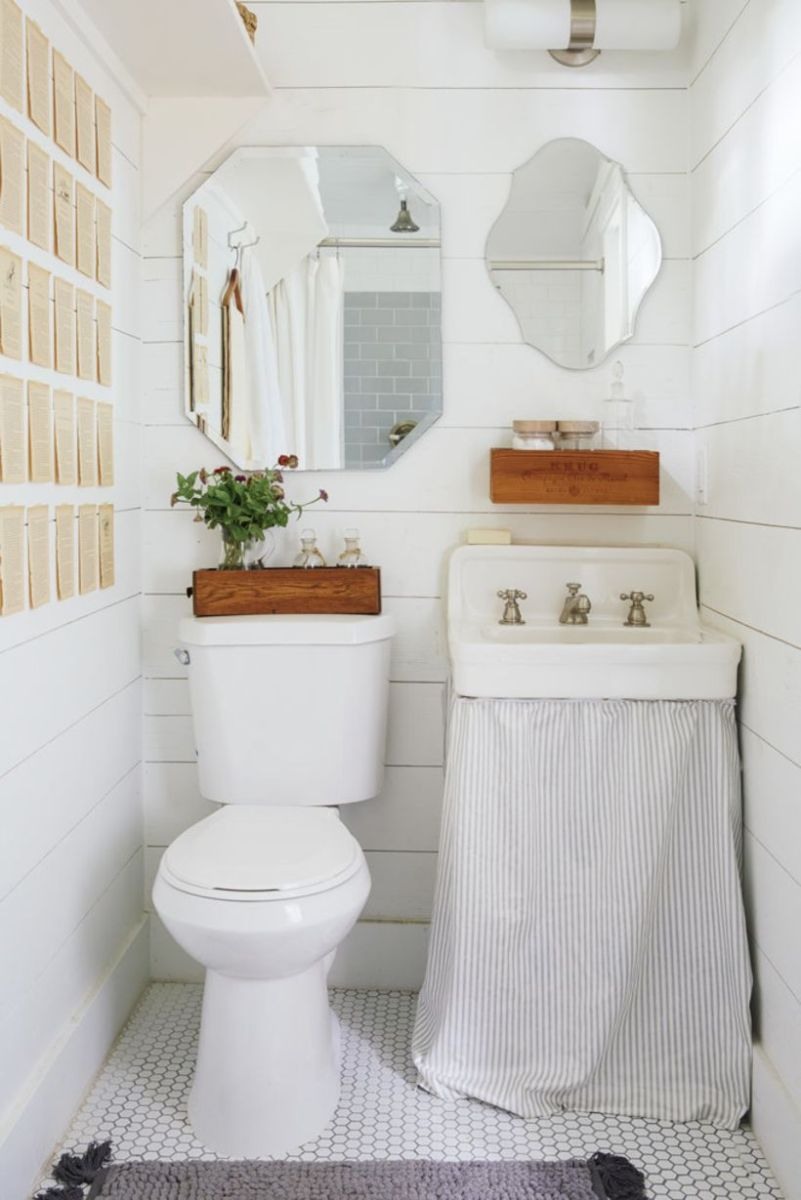 Farmhouse bathroom ideas for small space (31)