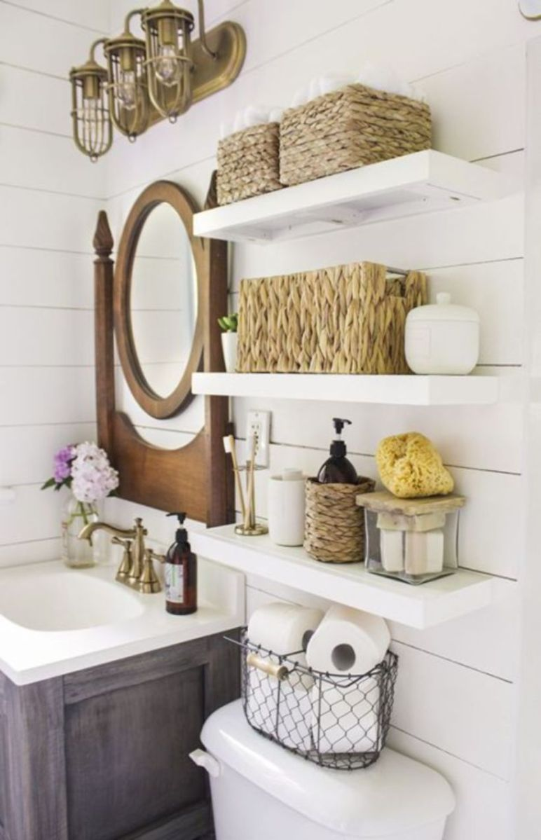 Farmhouse bathroom ideas for small space (51)