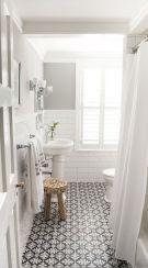 Farmhouse bathroom ideas for small space (8)