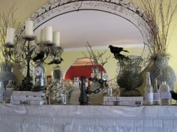 Great halloween mantel decorating ideas 27