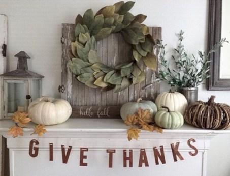 Great halloween mantel decorating ideas 29